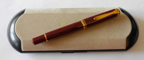 image for Pelikan Burgundy M600
