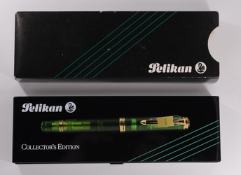image for Pelikan Green Transparent M800
