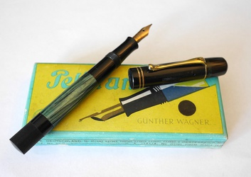 image for Pelikan 100 1935 in box